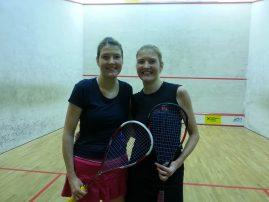 dvojčici Theresa KRASSNIGG in Judith van der MERWE